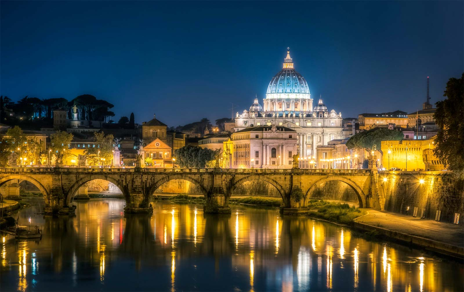 Vatican City Walking Tour By Night