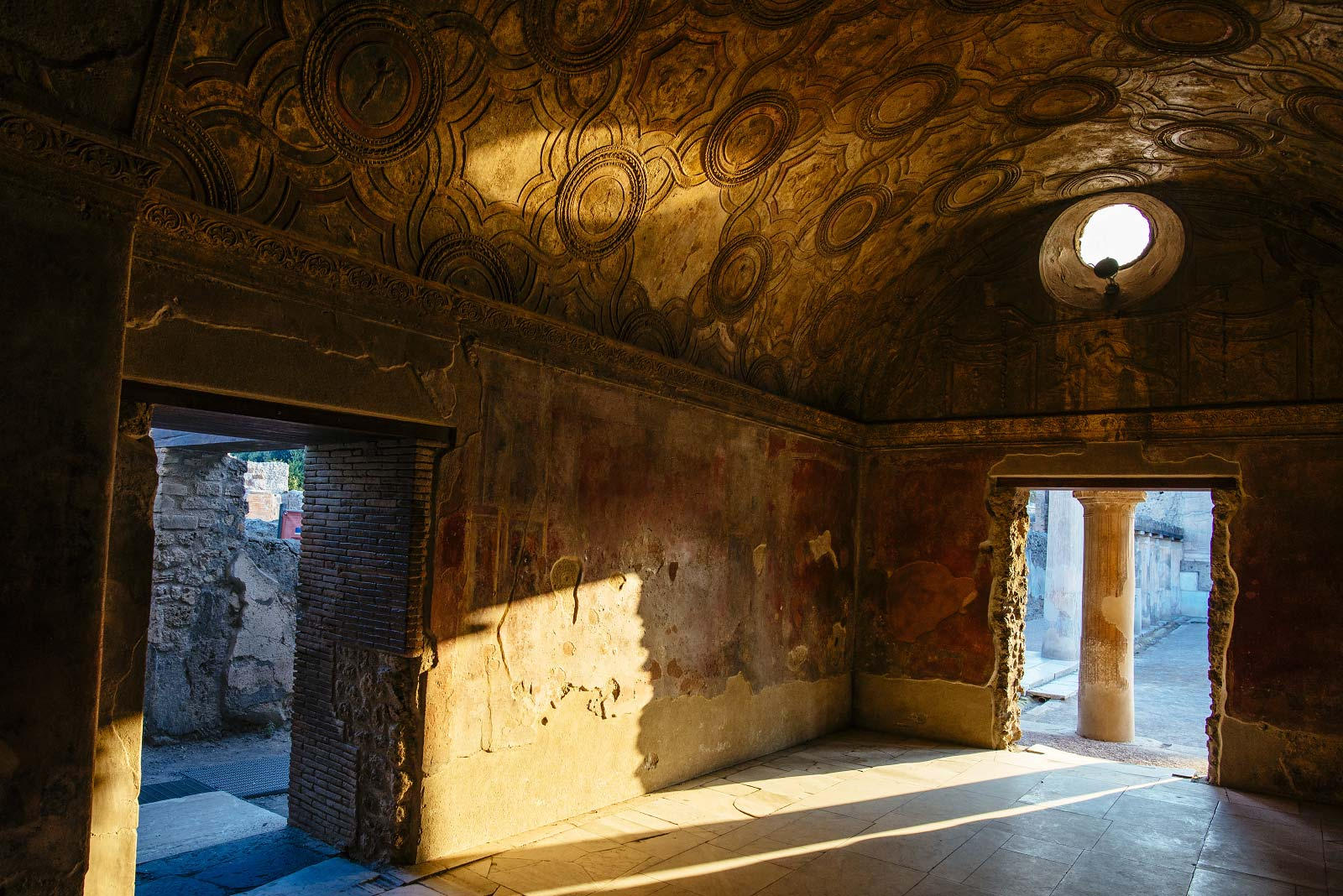 Skip the line - Guided tour of Pompeii