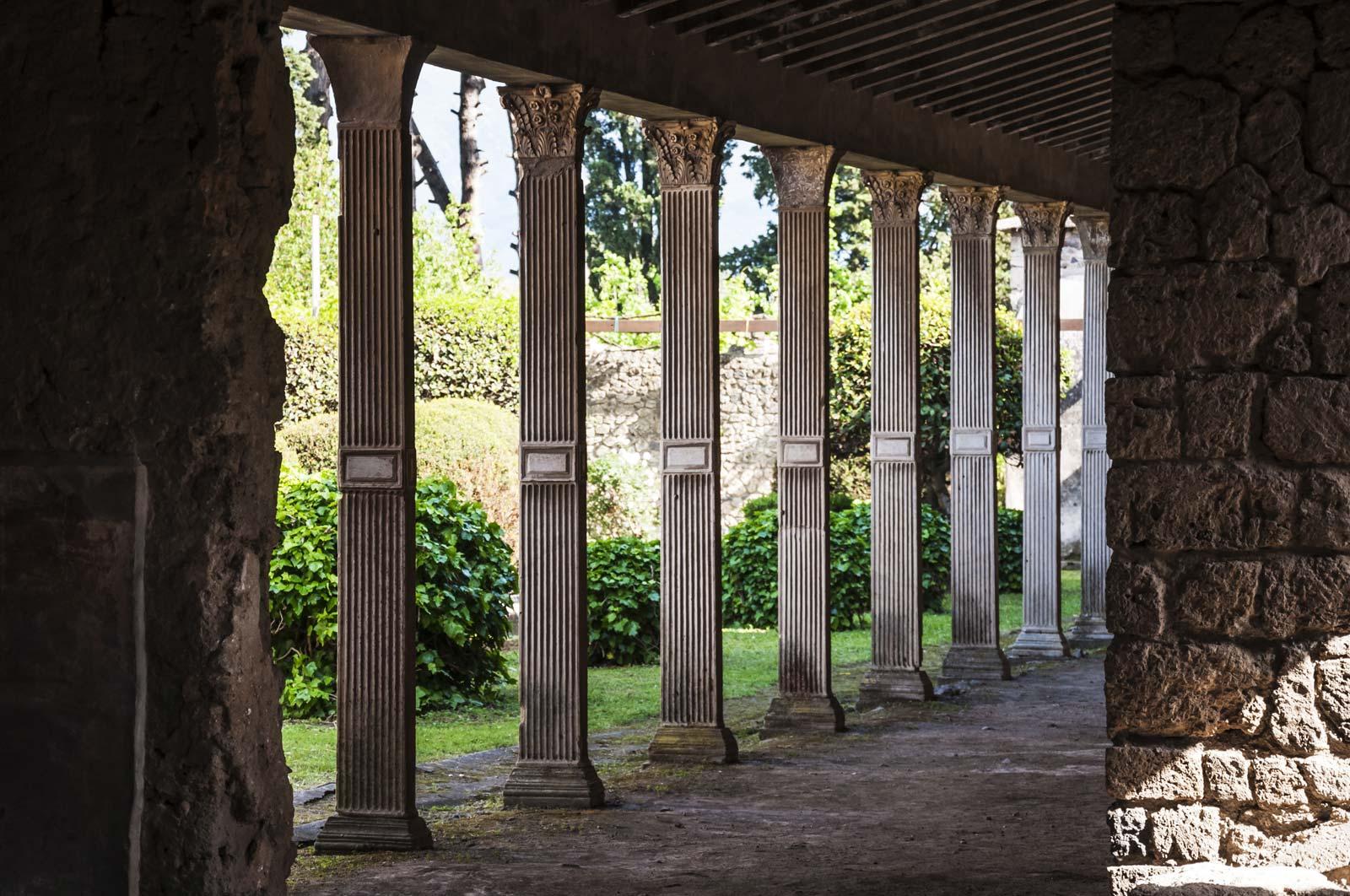 Skip the line - Pompeii guided tour