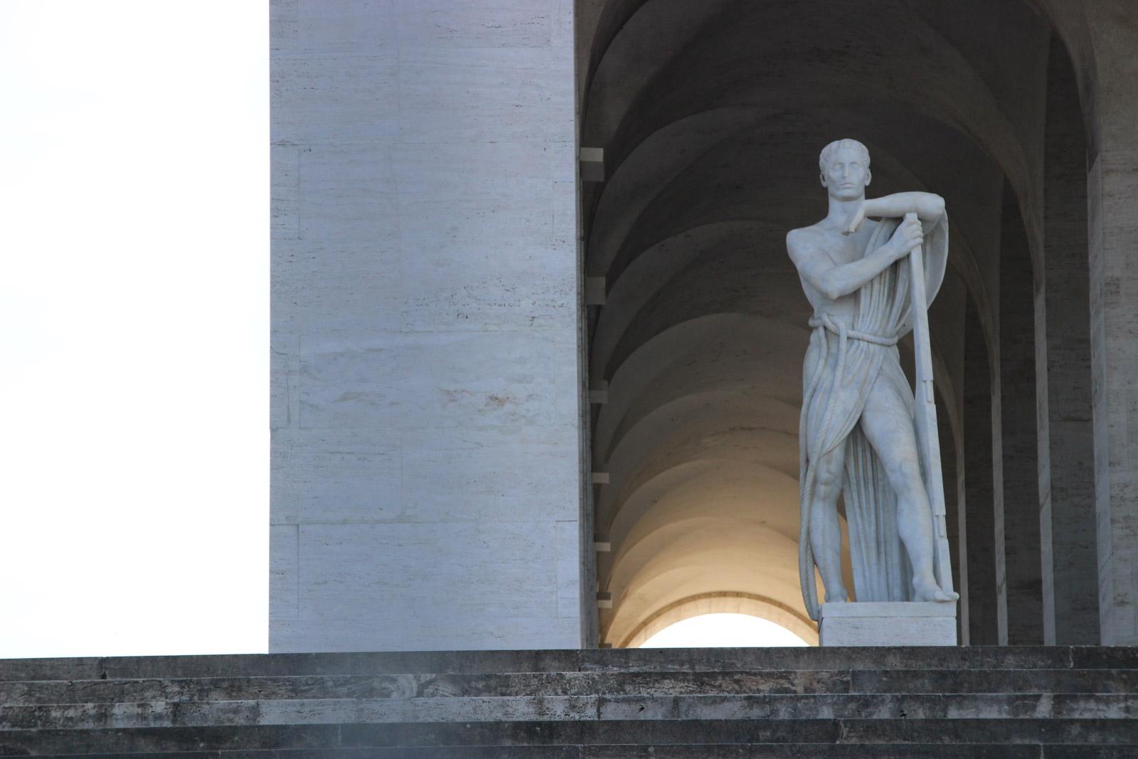 Enjoy Rome - Fascist Tour