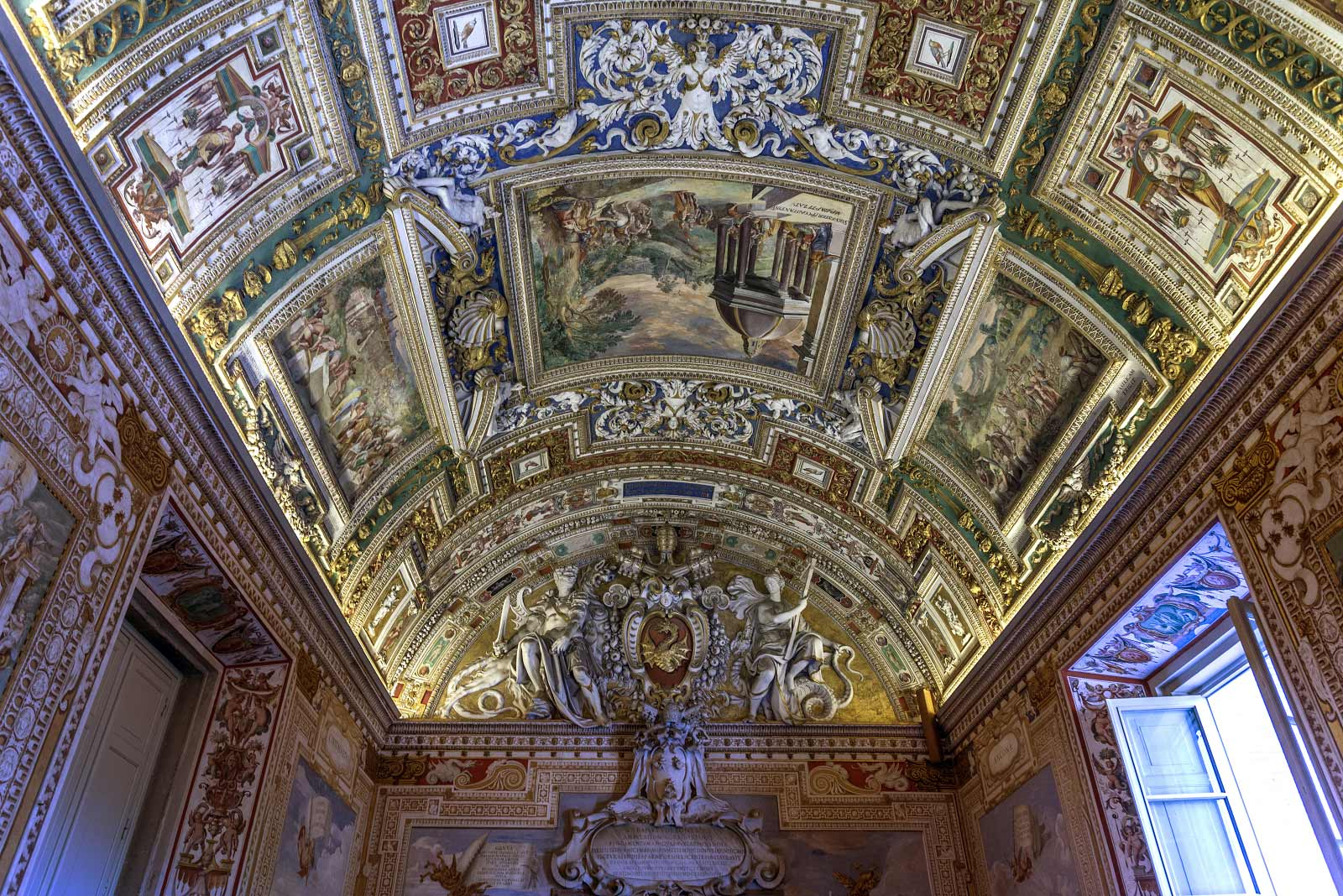 Enjoy Rome - Vatican semi-private tour
